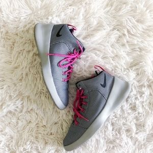 NIKE YOUTH grey+pink hyperfresh high top sneakers